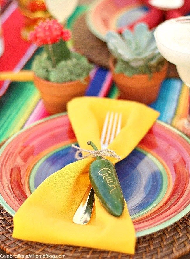 Party Ideas and fiesta themed tablescape You'll love these tabletop and entertaining ideas for Cinco de Mayo - jalapeno pepper name tagYou'll love these tabletop and entertaining ideas for Cinco de Mayo - jalapeno pepper name tag