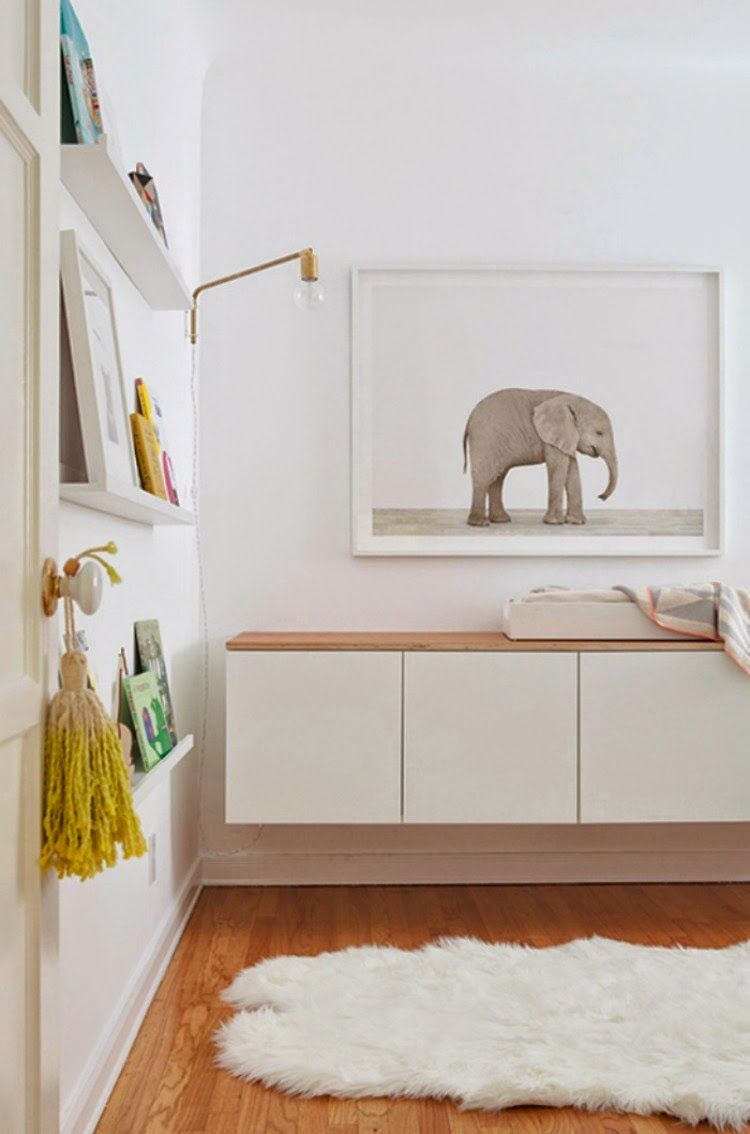 A touch of Luxe: Light, minimalistic nursery...