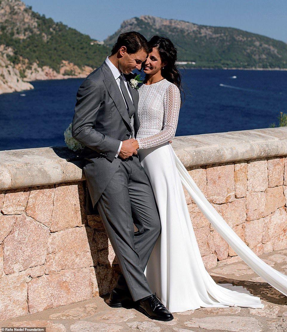Rafa Nadal S Wife Mery Perello S Wedding Dress Is Seen For First Time Rosa Clara Wedding Dresses Rafael Nadal Wedding Dresses