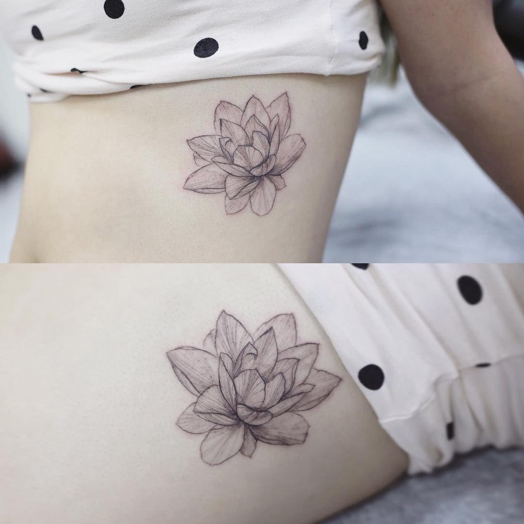 lotus flower  #tattoo#tattoos#tattooing#tattoowork#flowertattoo#lotustattoo#blackwork#art#tattooart#flowerart#linetattoo#germanytattoo#germantattoo#frankfurt #tattooink #타투#꽃타투#연꽃타투#타투이스트꽃#tattooistflower