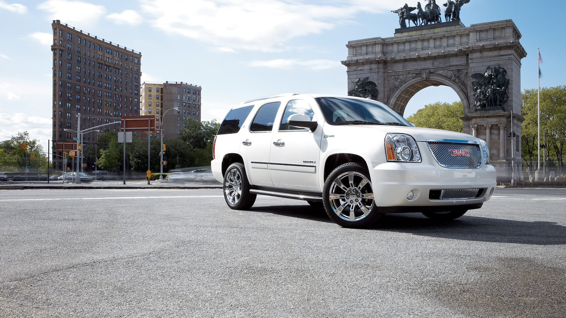 General Motors 2013 Gmc Yukon Denali Hybrid Gm Com Gmc Yukon