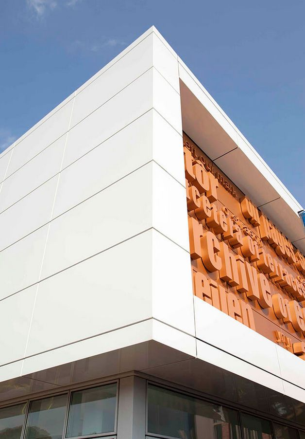 revestimiento de fachada de material compuesto de. Black Bedroom Furniture Sets. Home Design Ideas