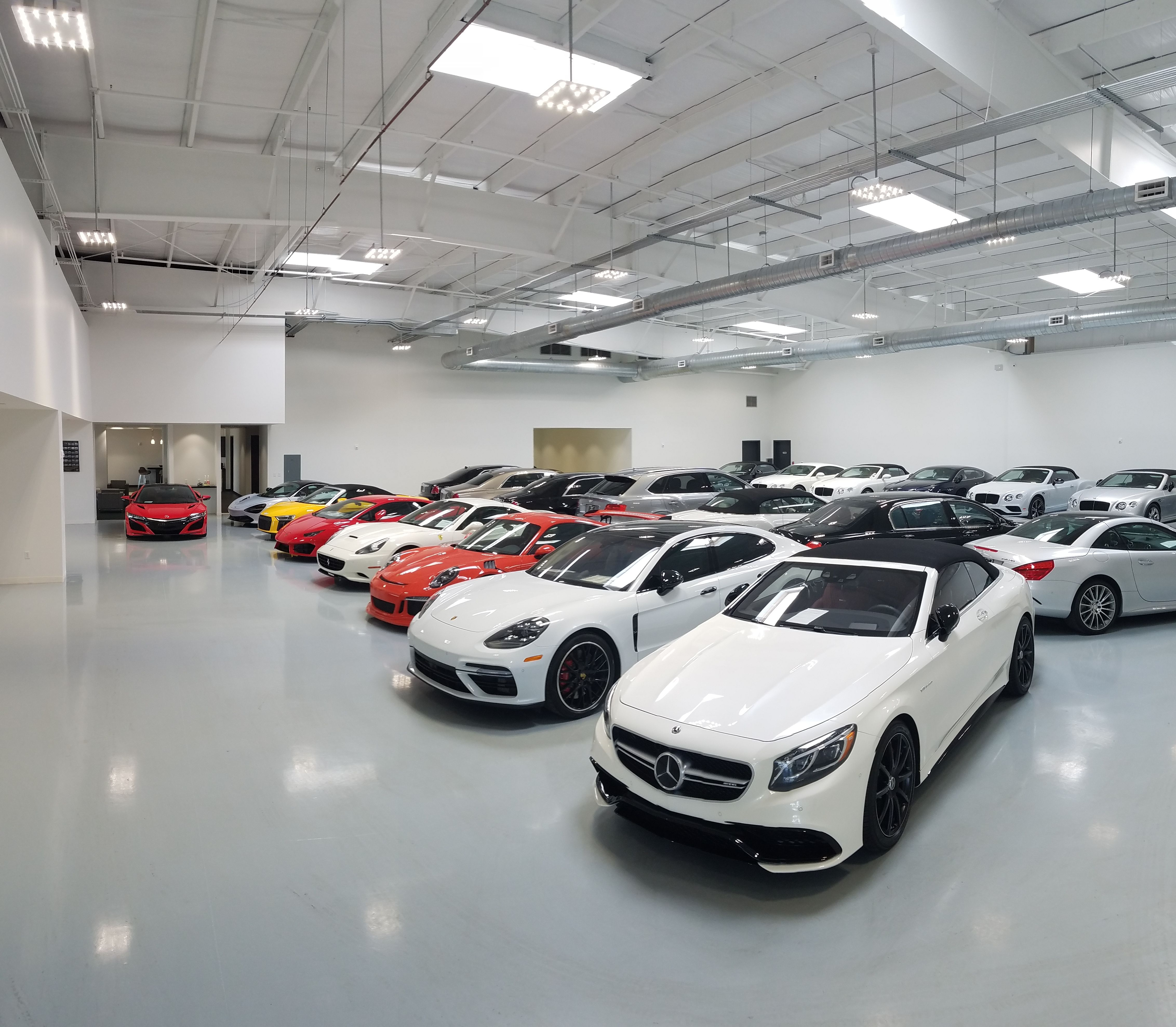 Come Visit The All New Fields Motorcars Orlando Hangar Florida S Largest Indoor Collection Of Exclusive High Used Luxury Cars Luxury Cars Rolls Royce Models