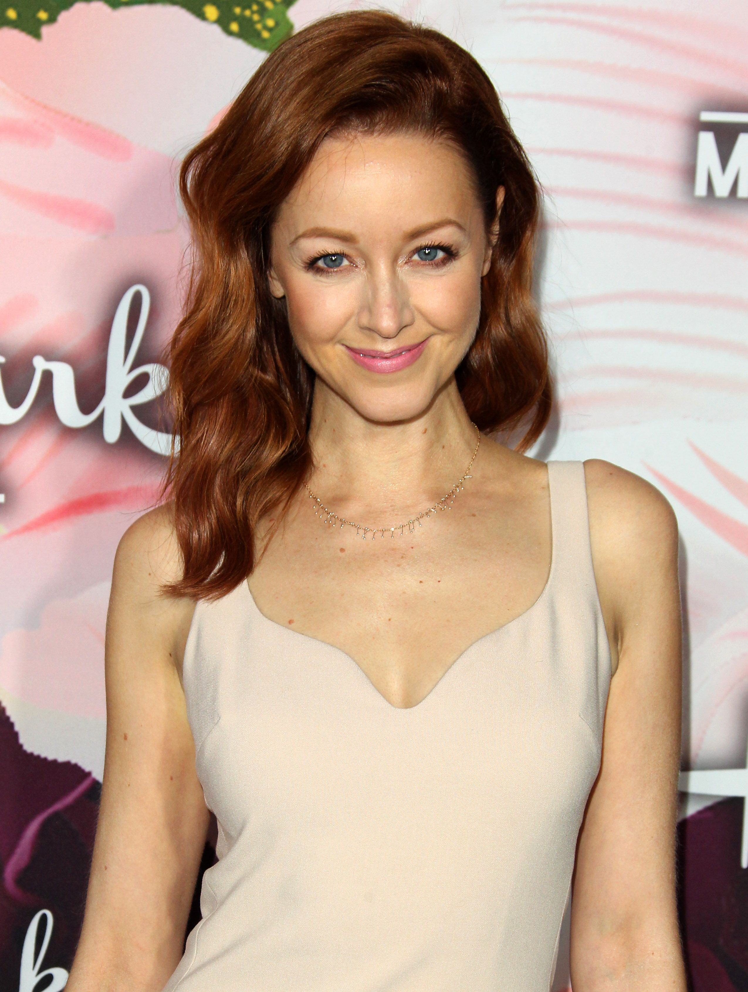 Lindy booth hot pics