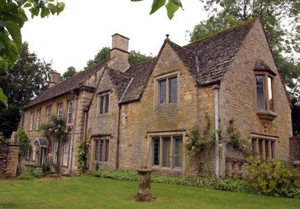 Kate Winslet S Cottage In The Cotswolds England Uk Celebrity Houses Cotswolds Cottage Cotswolds