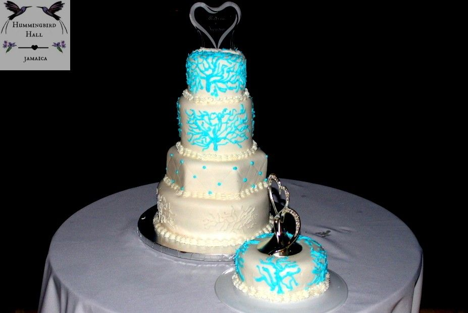 5 Tiered Blue Seaweed Jamaica Destination Wedding Cake At Multi Award Winning Jamaica Destinatio Wedding Cake Jamaica Destination Wedding Jamaica Wedding Cakes