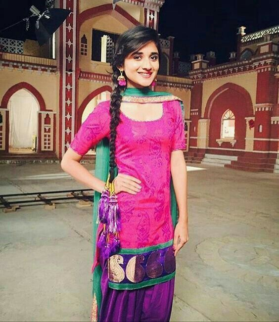 Pin de priyanka Anand en Punjabi Folk   Pinterest