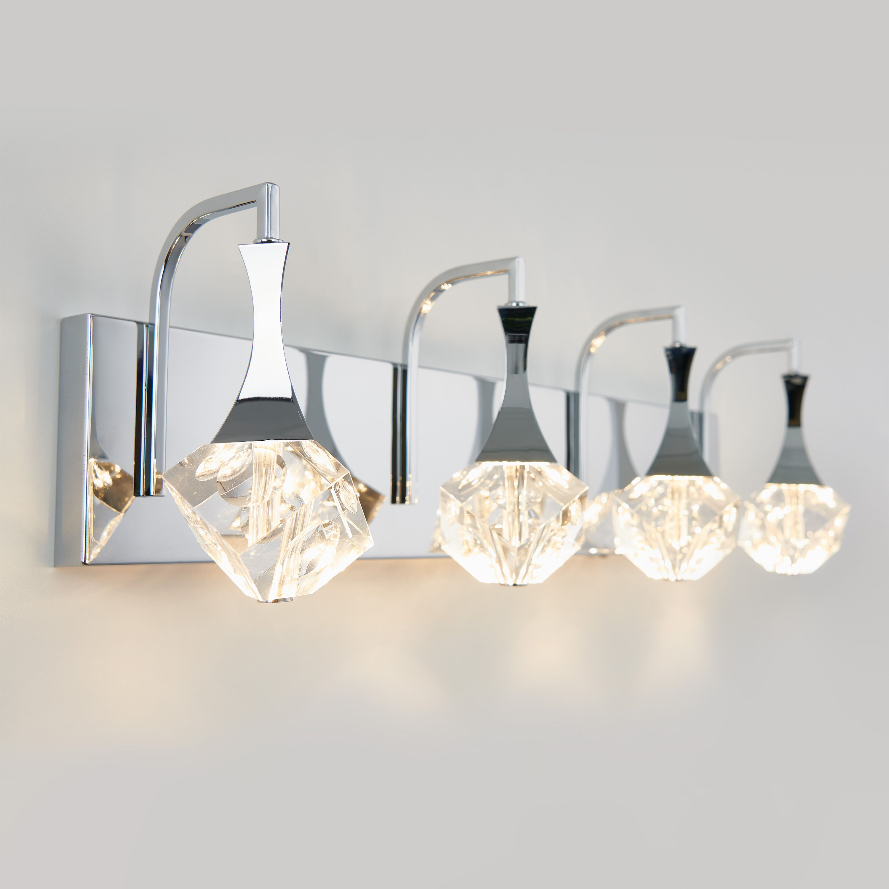 Equip Yourself With A Vanity Light That Will Modernize Your Day To Day Thanks To Its 4 Geometrical Glass Diffusers The Spontaneous Vanity Lighting Glass Diffuser Vanity Light Fixtures