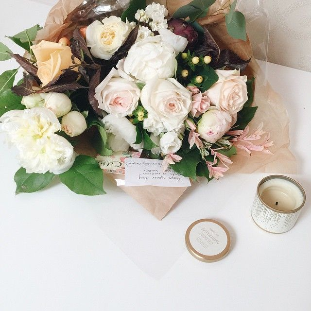 fabulous vancouver wedding @vintage.origami.weddings you are always the rainbow in my clouds...what happened this week was definitely a bit discouraging, but you really made my day! Thank you for sending over this bundle of gorgeousness from our floral friend @celsiafloral #rainbow #mademyday  #vancouverwedding #vancouverwedding