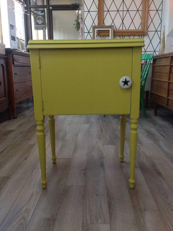 Sunny side - Petit meuble english yellow Chalk paint™ English, Cas - vernir un meuble peint