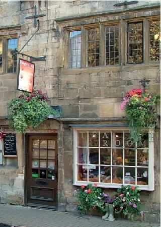 Badgers Hall: A proper traditional Engish Tea Room, Chipping Campden, Cotswolds, one of the most beautiful little towns in GB.