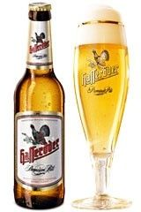 Cerveja Hasseröder Premium Pils, estilo German Pilsner, produzida por Hasseröder Brauerei, Alemanha. 4.8% ABV de álcool.