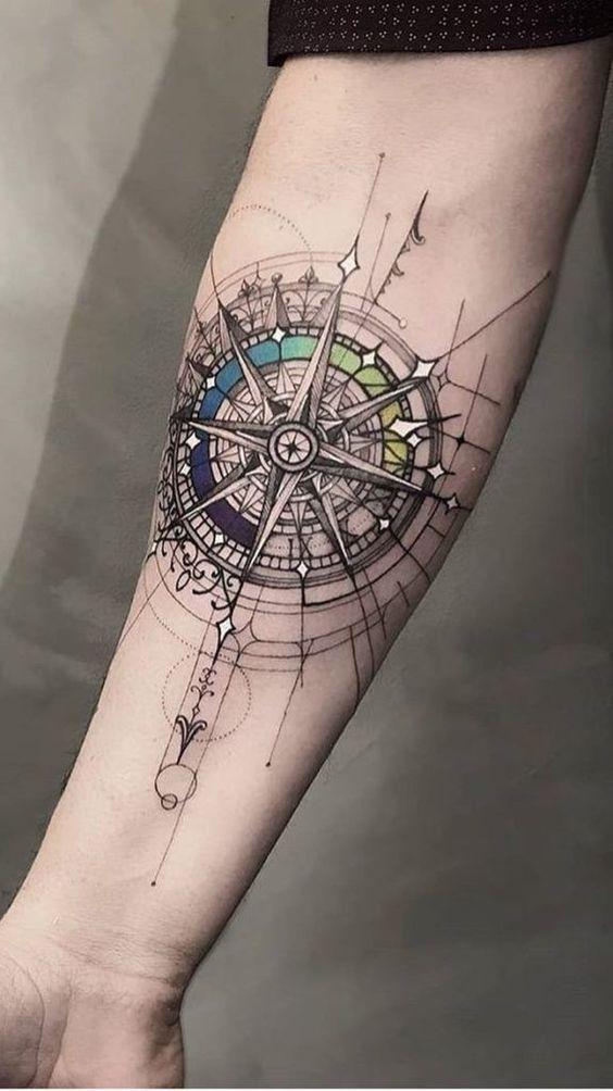 Tatuajes De Brujulas Estilos Mujer Hombre 239 Fotos Tatuajes Para Hombres En El Antebrazo Tatuajes Brujula Tatuaje De Simbolos Vikingos