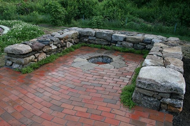 Charmant River Rock Patio Fire Pit | Wavy Lay Brick Patio With Inset Fire Pit And  Sitting Walls