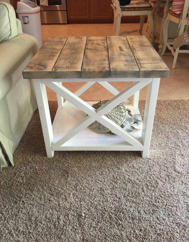 diy rustic farmhouse side table #farmhouse #farmhousedecor #rustichomedecor