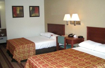 Cheap Discount Pet Friendly Hotel In Bloomington Illinois Red