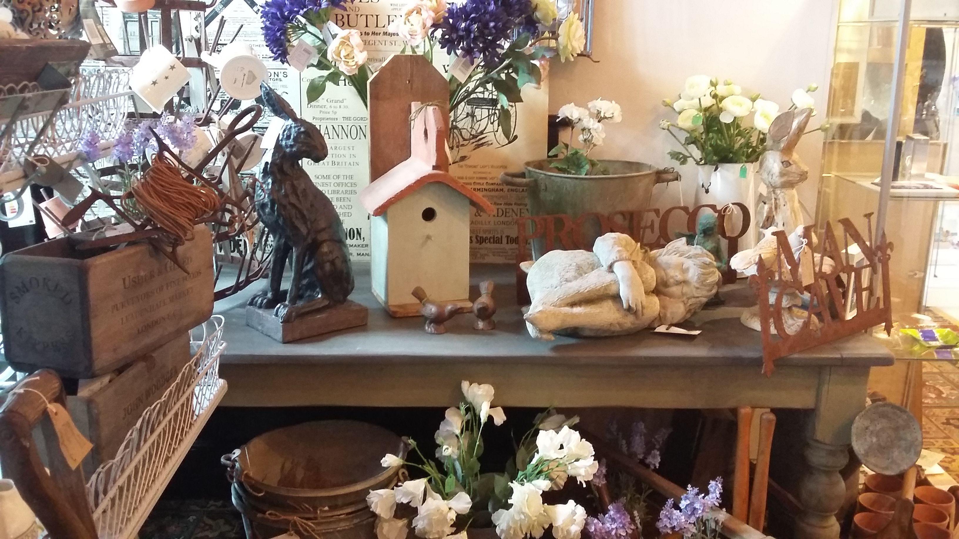 vintage garden display | Garden Treasures Shops (www.gardentreasures ...