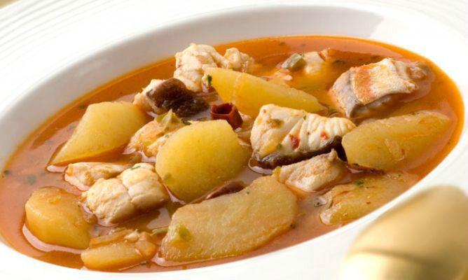 Marmitako De Perlon Receta Guisos Recetas De Comida Comida étnica
