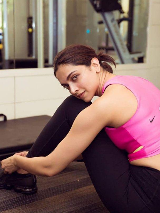 workout time😍 | Deepika padukone, Gym workouts pictures ...