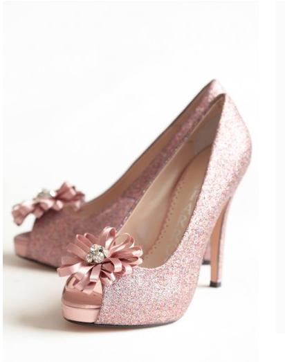 pink sparkle heels http://www.thebridelink.com/blog/2013/05/14 ...
