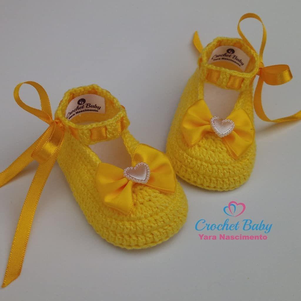 cafa414ab Sapatinho de crochê 😍 #crochet #CrochetBaby #crochetbabyyaranascimento  #yarinhanascimento #sapatinhodecrochê #crochê #lindo #sandália…