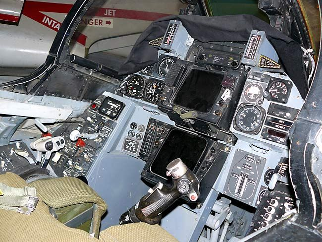 F 14 Tomcat Cockpit F-14 Tomcat cockpit | ...