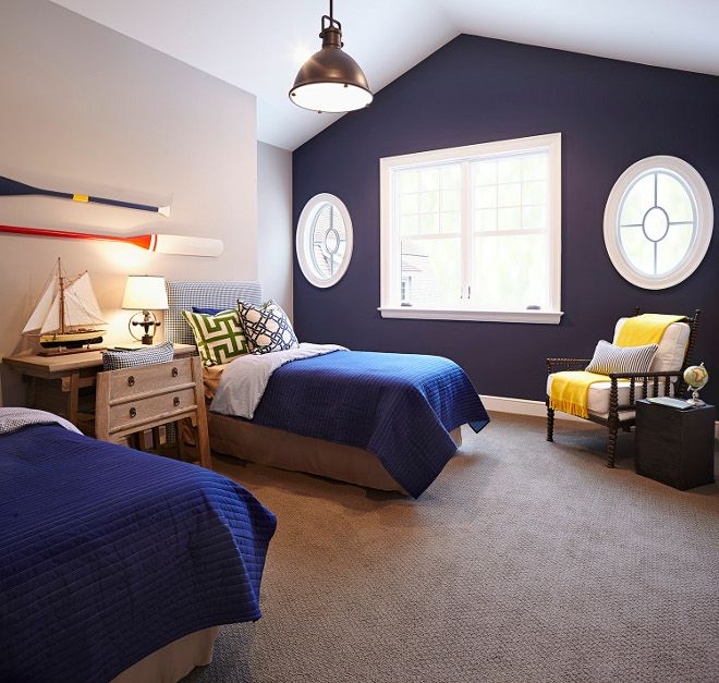 The Accent Wall Paint Color Is Benjamin Moore Hale Navy Hc 154 The Most Popular Navy Paint Color Beach Style Bedroom Accent Wall Bedroom Bedroom Themes