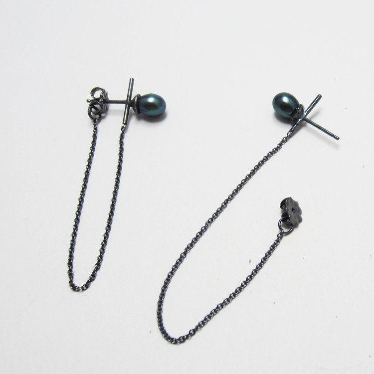 Orbit earrings 3.jpg