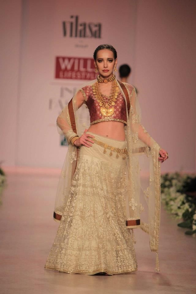 A A I N A Bridal Beauty And Style Designer Bride Rocky S At Wills Lifestyle Lehenga In 2019 Fashion Indian Wedding Fashion India Fashion Week