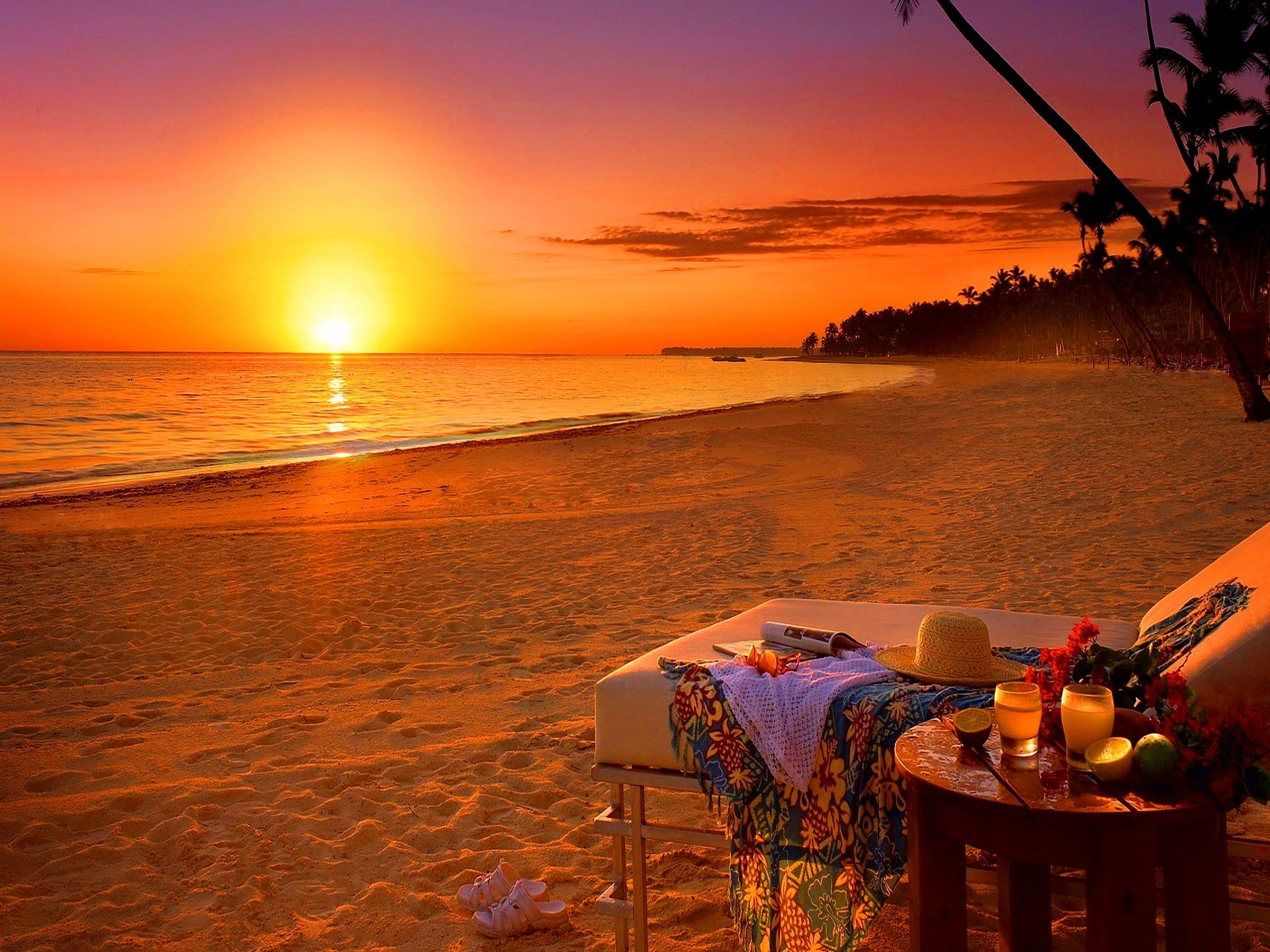 Romantic sundowners on the beach. This is the South