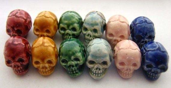 20 Tiny Ceramic Beads - Mixed Skull - CB600