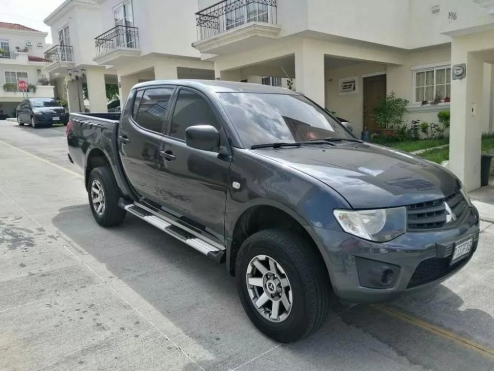 Compro Mitsubishi L200 En Guatemala Vendo Pick Up Mitsubishi L200 Modelo 2015 Venta De Carros En