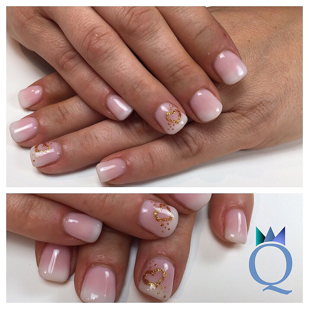 shortnails #gelnails #nails #babyboomer #handpainted #gold #heart ...