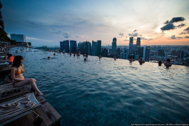 infinity pool singapore edge. Amazing Infinity Pool On Marina Bay Sand Hotel In Singapore - CAT IN WATER Edge N