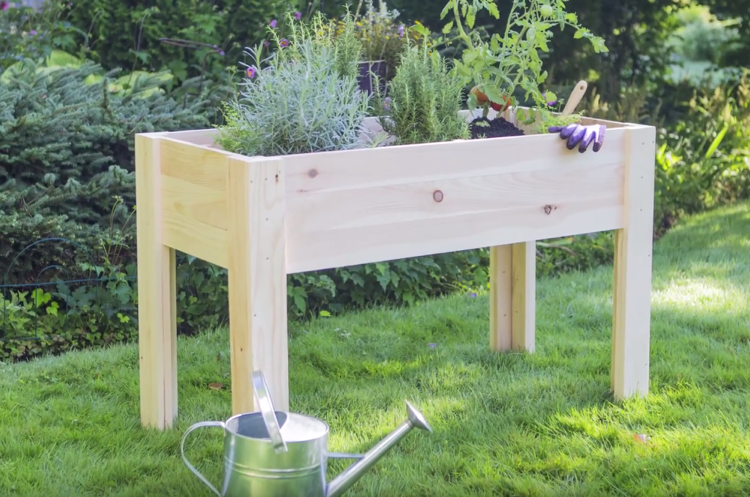 Kleines Tisch Hochbeet Bauen Perfekt Fur Balkon Und Terrasse Hochbeet Hochbeet Bauen Und Gartenliege