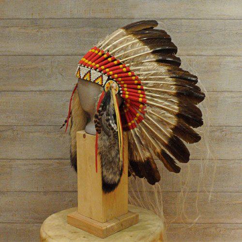 Coiffe indienne Navajo, plumes, queues de coyotes, crin de cheval.