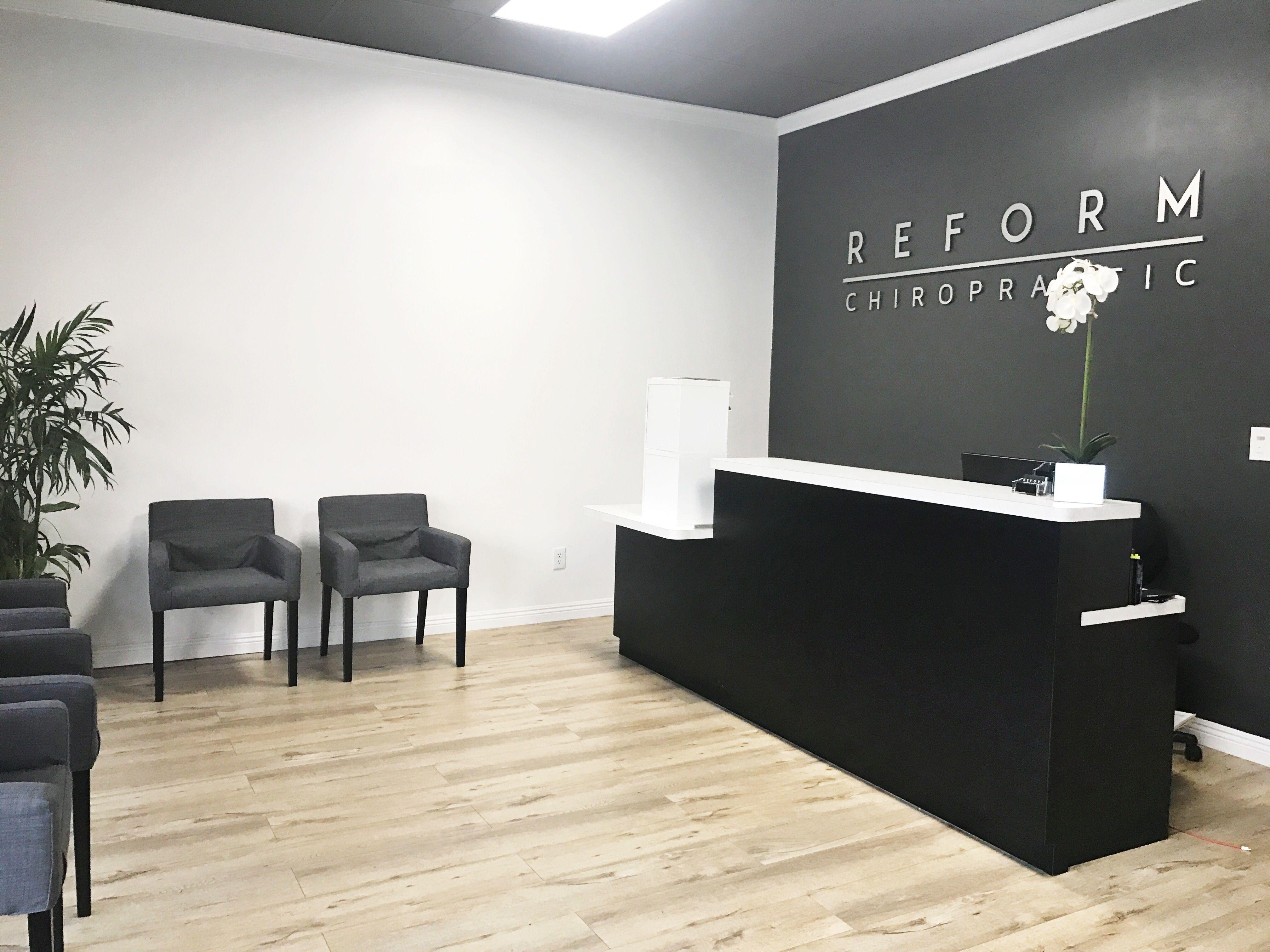 Chiropractic fice Lobby Reception Modern Design