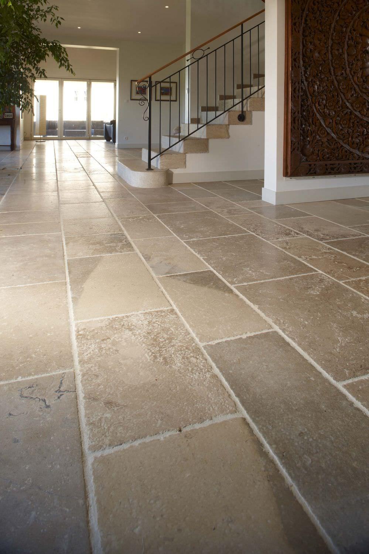Indoor Tile Floor Natural Stone Plain Auberoche Vieux Quercy Occitanie Pierres In 2020 Vloeren Stenen En Kast