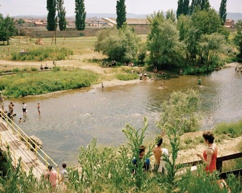 Tim Smyth. Lumi/Peka, The Ibar, Mitrovica. 2008.
