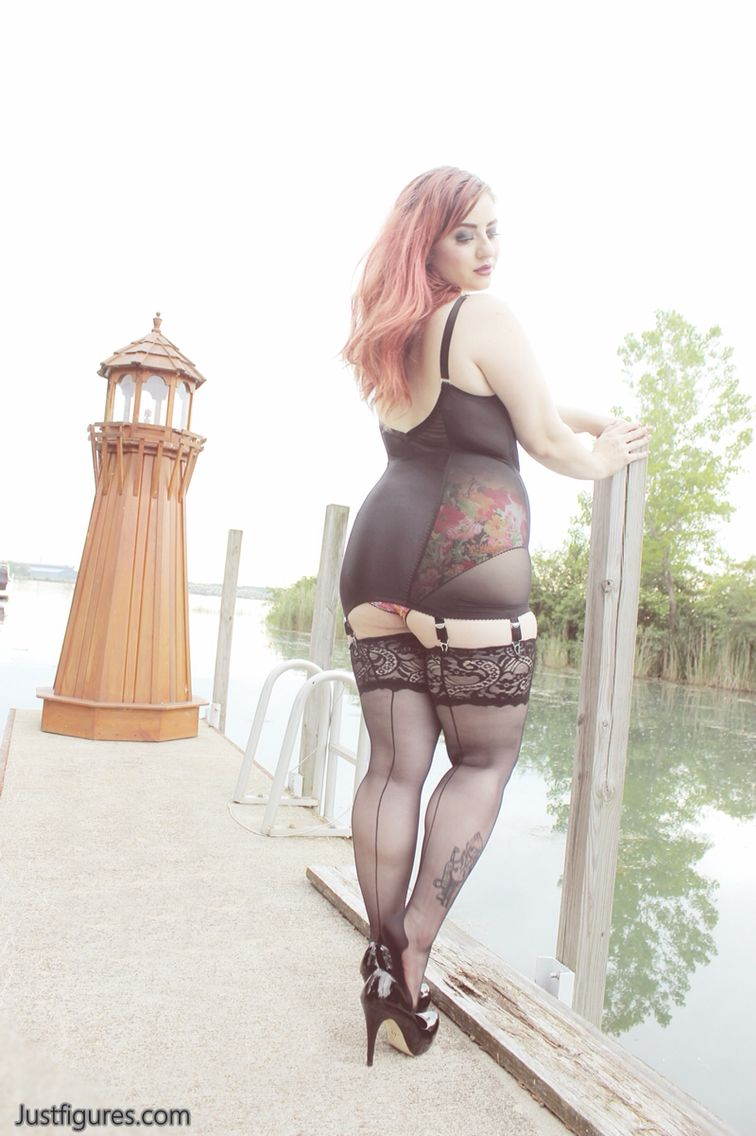 GARDLE BOUND The girdlebound all in one girdle, high waisted garden panties & hosiery  that fits by