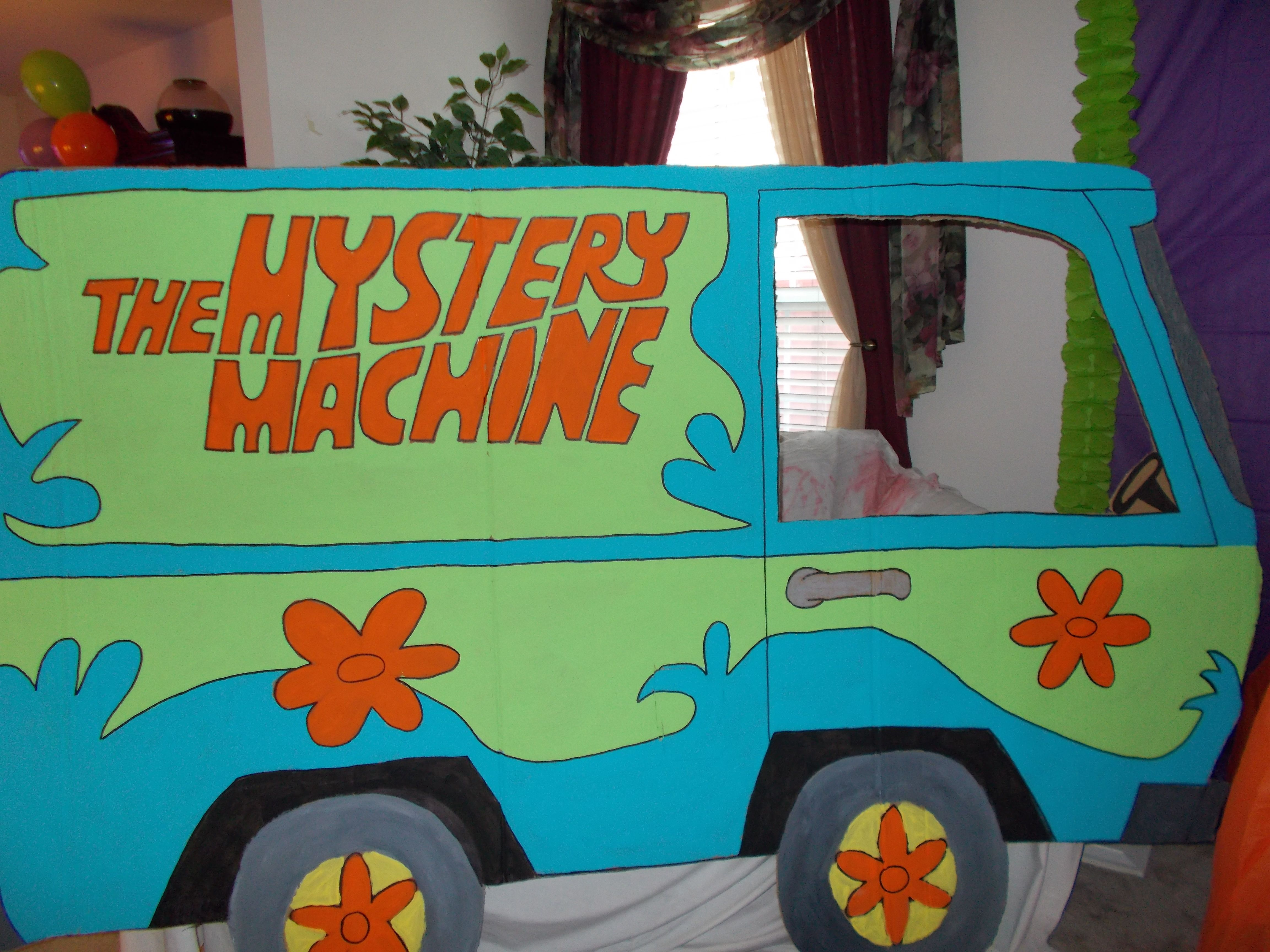 The Mystery Machine Made Out Of A Huge Refrigerator Box