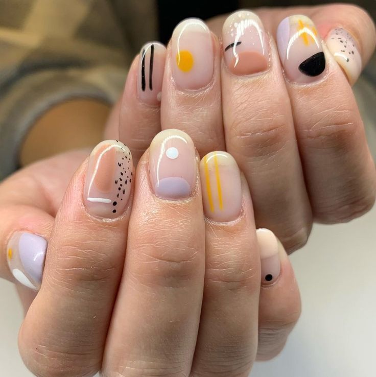 These abstract nails are taking over social media,These abstract and arty nails are taking ov…