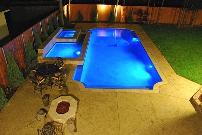 What A Beautiful Pool And Spa Perfect For Hot Dallas