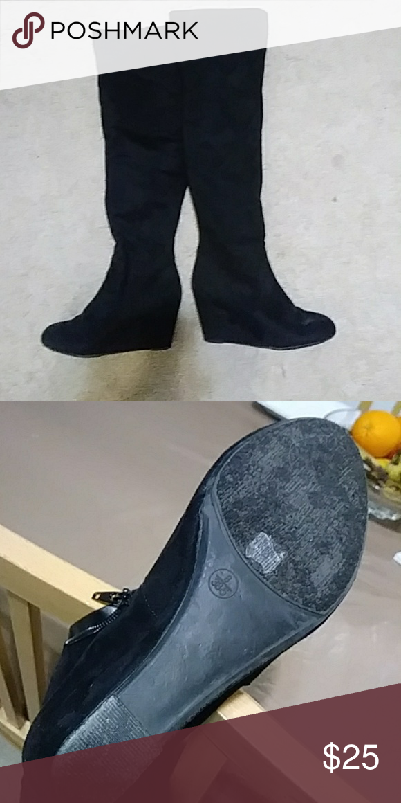 7a069f83a9e Over knee Black boots Chinese Laundry In perfect condition only a few times  worn. size 8 but will feet 8.5 black suede hugging your legs super comfy.