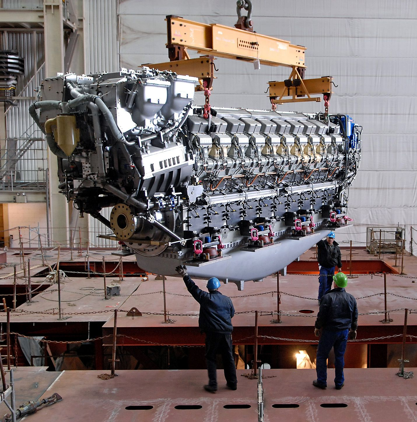 HttpbpblogspotcomqjAvdNAgvsUTntpOgKgVIAAAAAAAACaA - Largest cruise ship engines