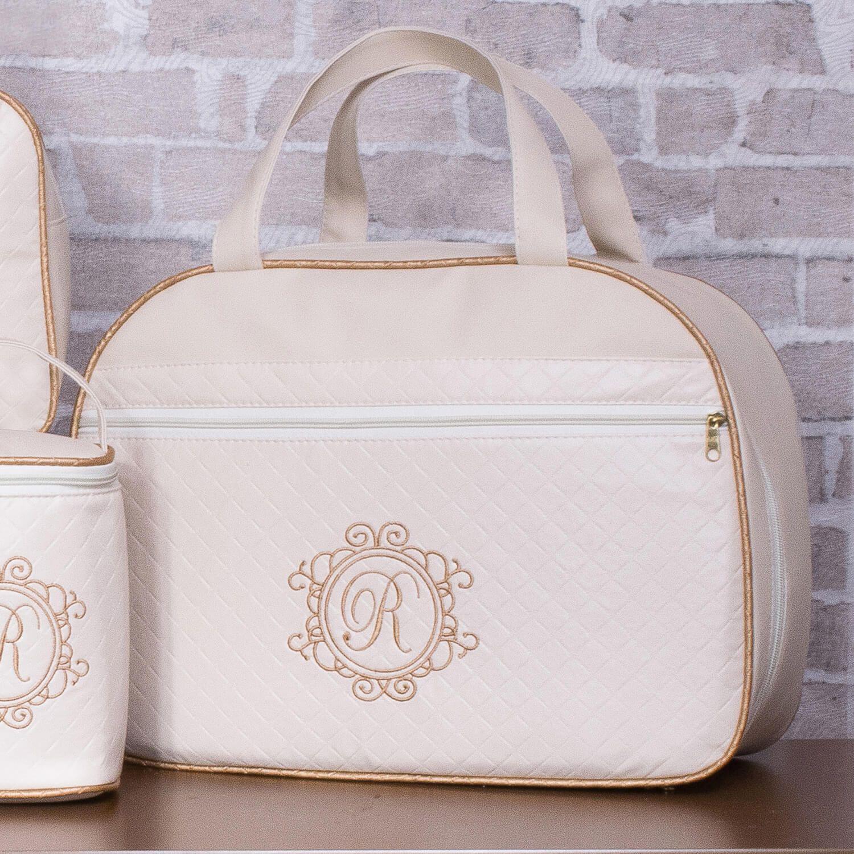 5264c66fd Esbanje elegância e estilo com a Mala Maternidade Valência Inicial do Nome  Personalizada Marfim. Esse
