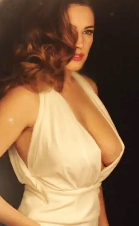 Kelly brook boob video