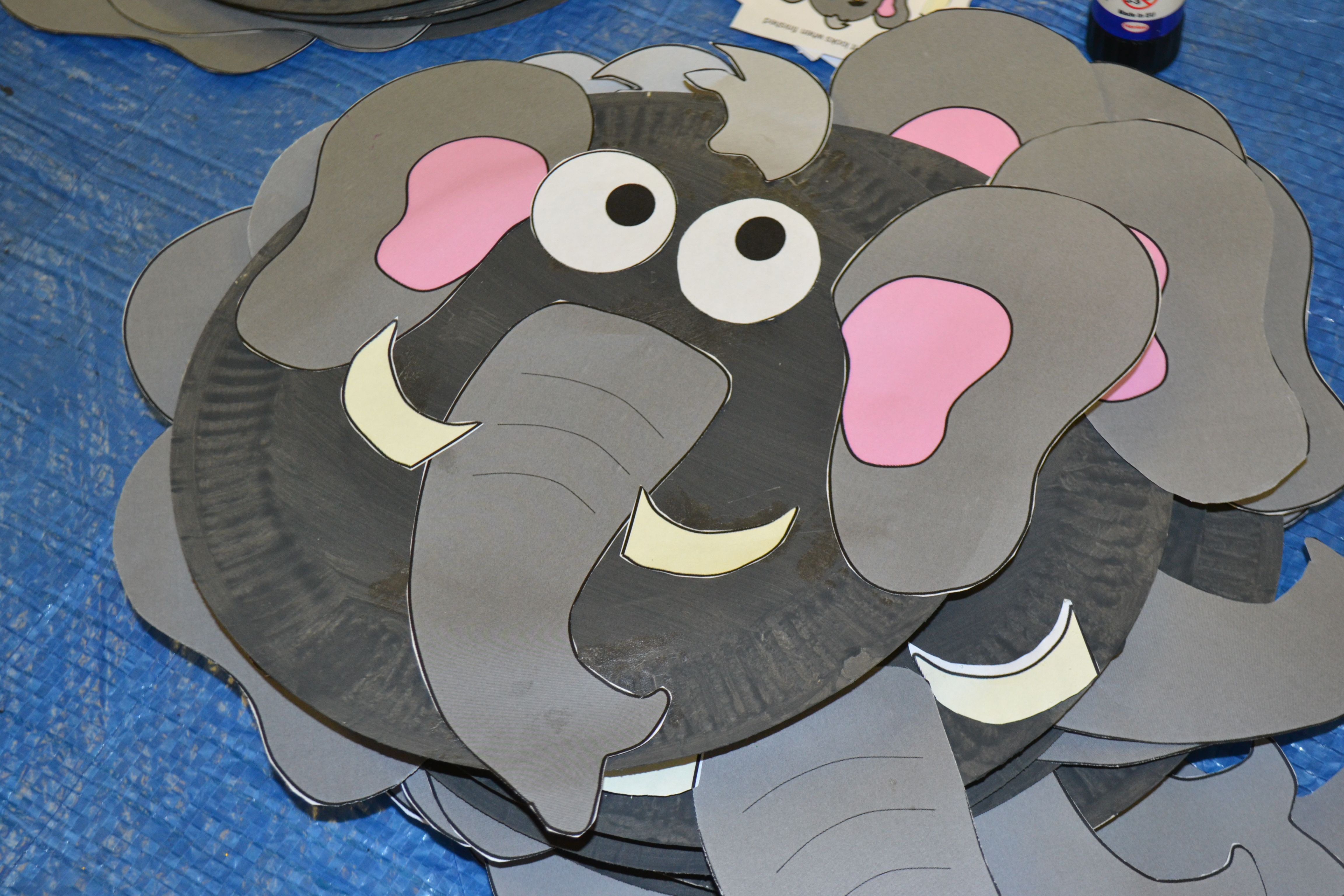 Elephant paper plate mask - Creation theme Messy Church & Elephant paper plate mask - Creation theme Messy Church | pappers ...
