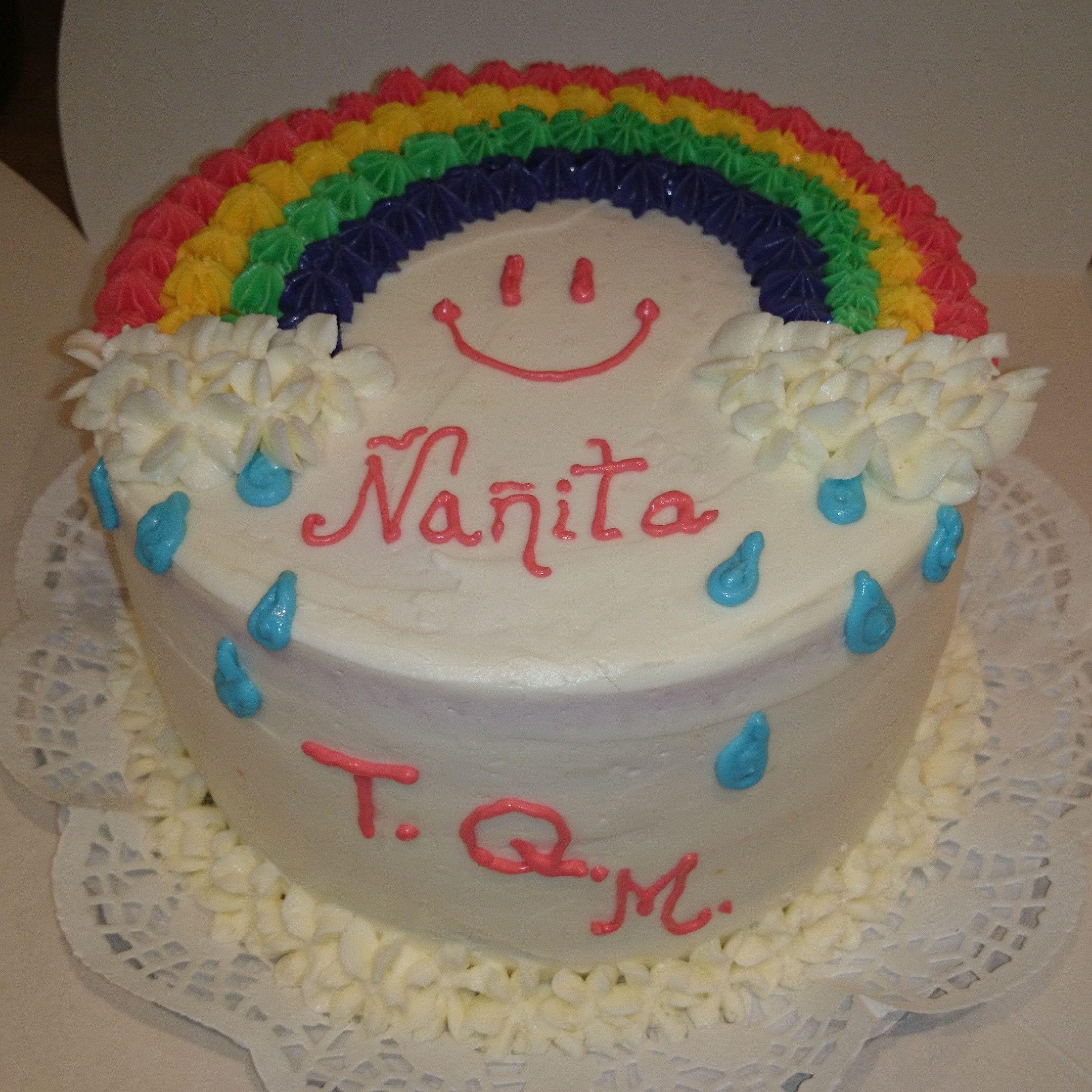 Pastel Arcoiris Con Bizcocho De Nata Y Vainilla Relleno Y Decorado Con Cheescream De Fresa Desserts Cake Birthday Cake