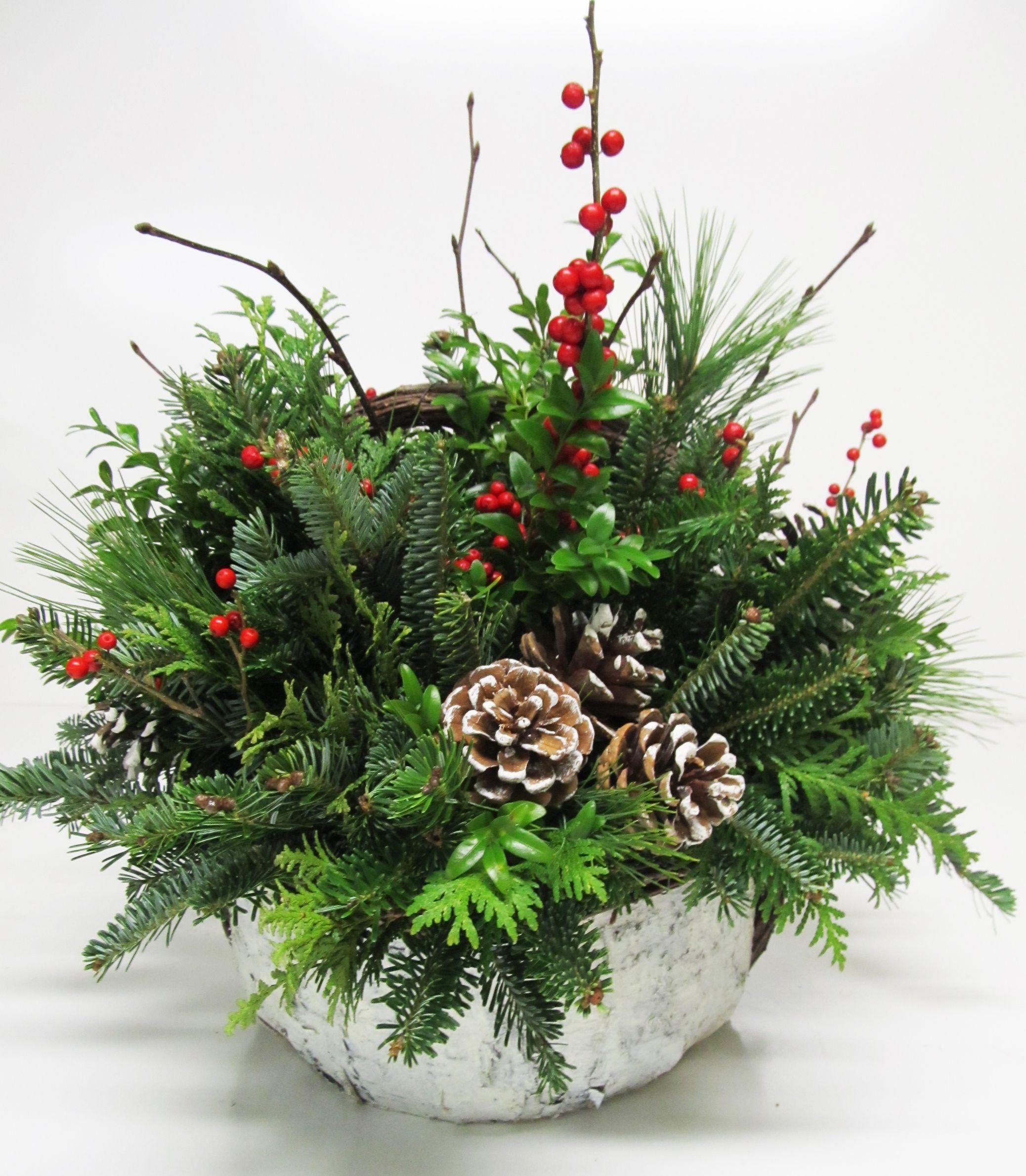 greenery arrangement weihnachten pinterest gestecke. Black Bedroom Furniture Sets. Home Design Ideas
